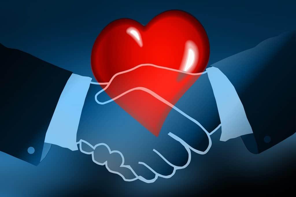 לחיצת יד ולב