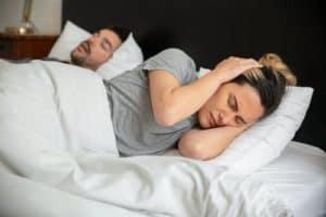6 שיטות למניעות נחירות ושינה טובה יותר